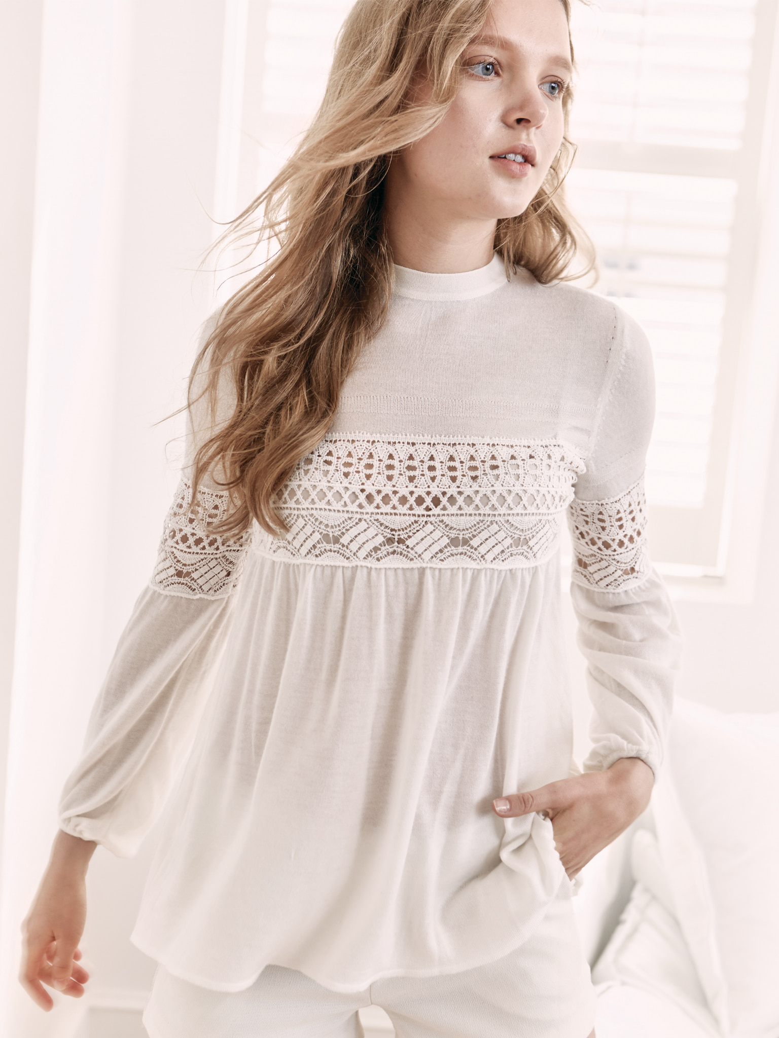 Lace Patch Cashmere Pullover
